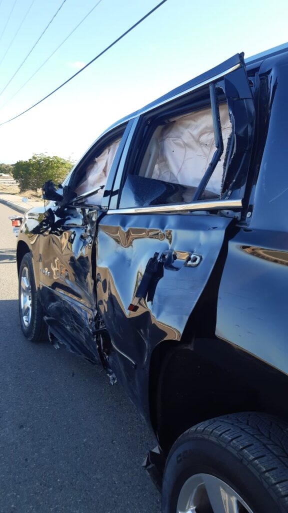 En Montecristi muere joven al impactar motocicleta con un vehículo