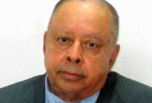 Photo of Otorgan a dominicano Manuel Mora el Premio Nacional de Literatura 2021