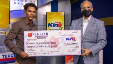 Photo of ¿Será un montaje o verdad? Estudiante de agronomía se gana RD$25 millones en sorteo Súper Kino TV