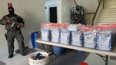 Photo of DNCD ocupa 133 paquetes de cocaína en una embarcación y apresa tres personas